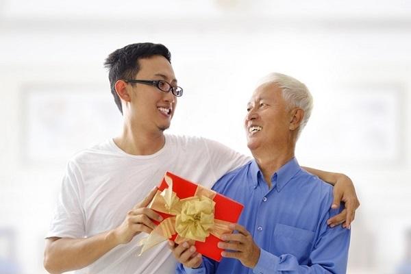 quà tặng bố vợ